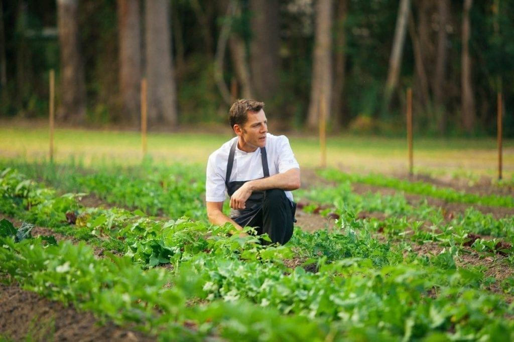 Blog Two Minutes Aromas Head Chef Jules Santisi01