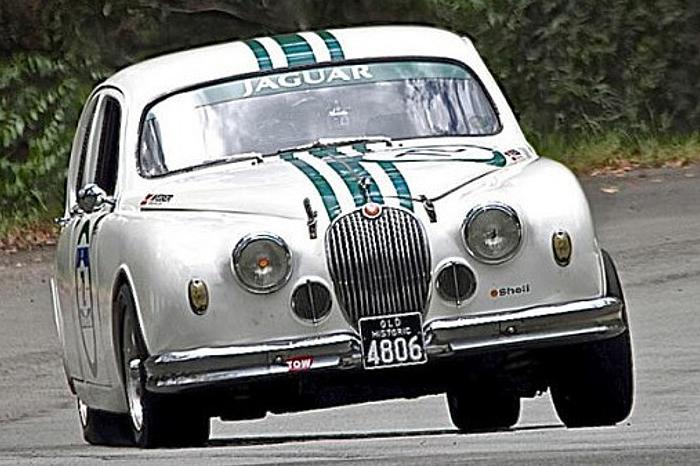 Whats On Noosa Beach Classic Car Show 2018 08 27